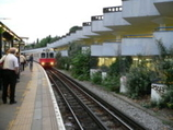 Wikipedia - Gunnersbury railway station