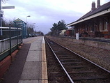 Wikipedia - Gunton railway station