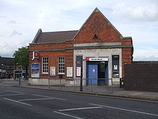 Wikipedia - Harold Wood railway station