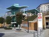 Wikipedia - Imperial Wharf railway station