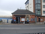 Wikipedia - Kenton railway station