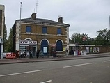 Wikipedia - Kew Bridge railway station