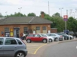 Wikipedia - Knebworth railway station