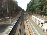 Wikipedia - Longcross railway station