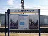 Wikipedia - Luton Airport Parkway railway station