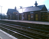 Wikipedia - Maghull railway station