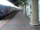 Wikipedia - Manchester Airport railway station