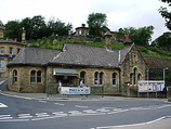 Wikipedia - Mossley railway station