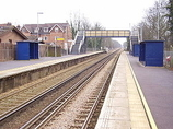 Wikipedia - Nutfield railway station