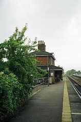 Wikipedia - Oulton Broad South railway station