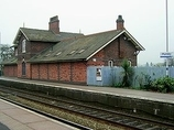 Wikipedia - Plumley railway station