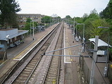 Wikipedia - Ponders End railway station