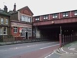 Wikipedia - Queenstown Road (Battersea) railway station