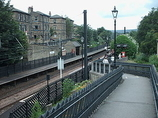 Wikipedia - Saltaire railway station