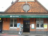 Wikipedia - Selhurst railway station