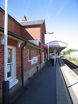 Wikipedia - Tisbury railway station