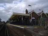 Wikipedia - Addlestone railway station