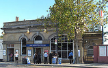 Wikipedia - West Brompton railway station