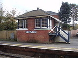 Wikipedia - Woolston railway station