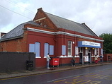 Wikipedia - Chadwell Heath railway station