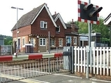 Wikipedia - Chilworth railway station