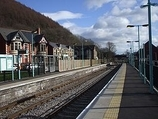 Wikipedia - Crosskeys railway station