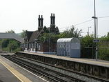 Wikipedia - Cuxton railway station