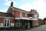 Wikipedia - Earlswood (Surrey) railway station