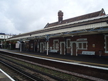 Wikipedia - Farncombe railway station